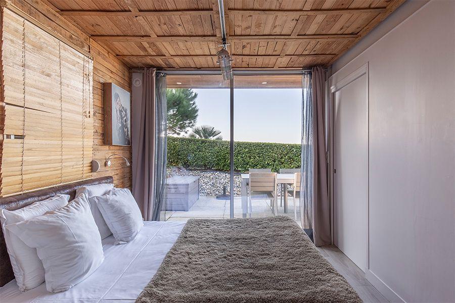 chambre-droite-vue-terrasse-showroom