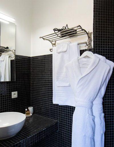 vue-salle-de-bain-clairefontaine