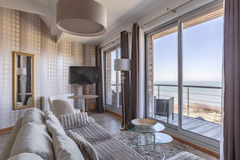 Chambre d 39 h te deauville suite de luxe normandy vue mer - Chambre d hote de charme deauville ...