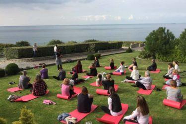 cours de yoga séminaire villerville normandie deauville