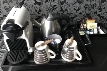 plateau courtoisie thé café chambre baccarat