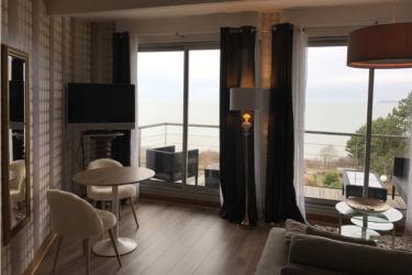 petit salon suite normandy face mer