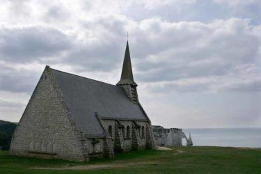 chapelle falaises etretat