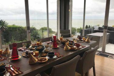 petit déjeuner oriental vue mer